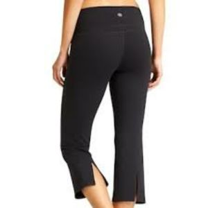Athleta Power Up Capri Legging Black Size XXS